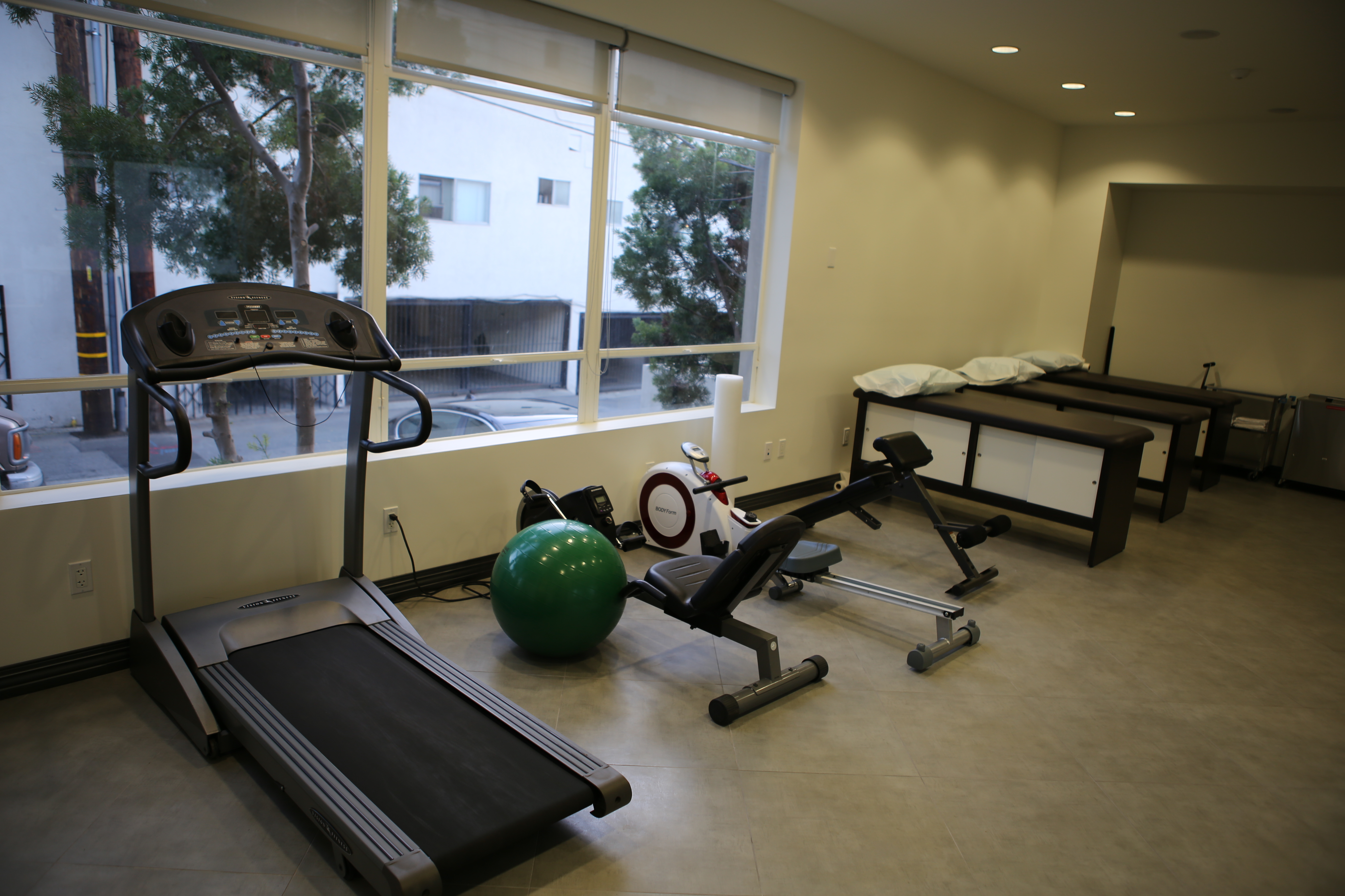 Needs physical therapy in West Hollywood? Come to Brentview Medical Urgent Care Center.